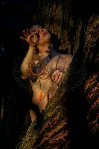 Luísa Fontinelli, uma acompanhante de luxo Ruiva e Natural de olhos Castanho escuro, que atende na cidade de
