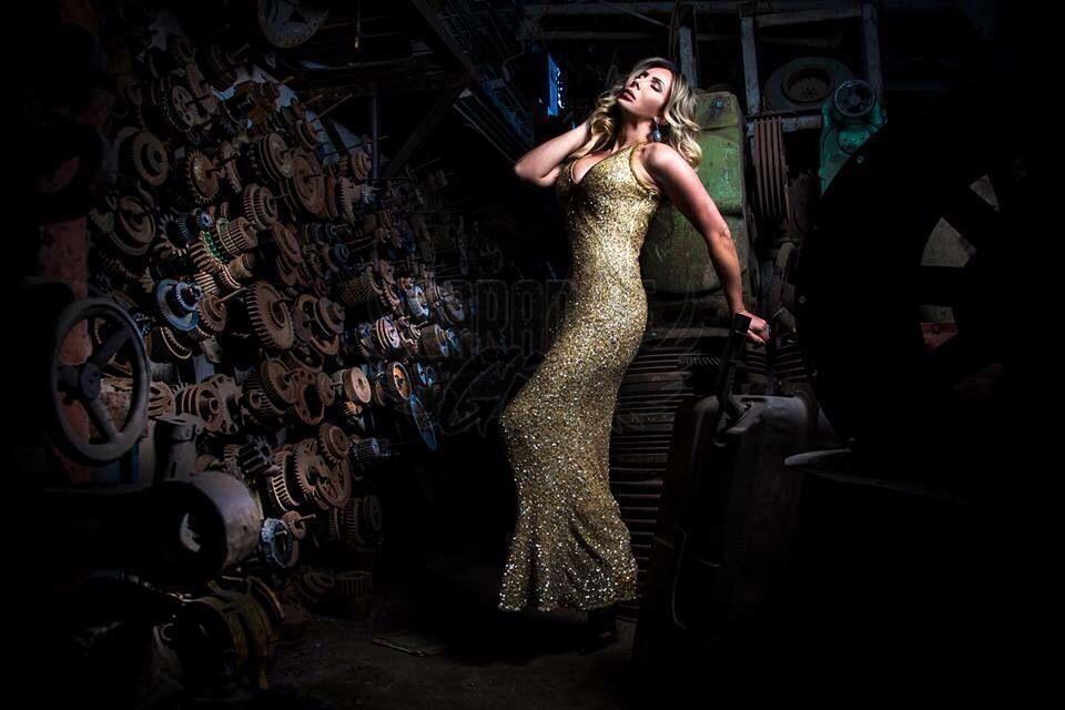 Cristiane Musa, uma acompanhante de luxo Loira e Mulherão de olhos Verde, que atende na cidade de Rio de Janeiro